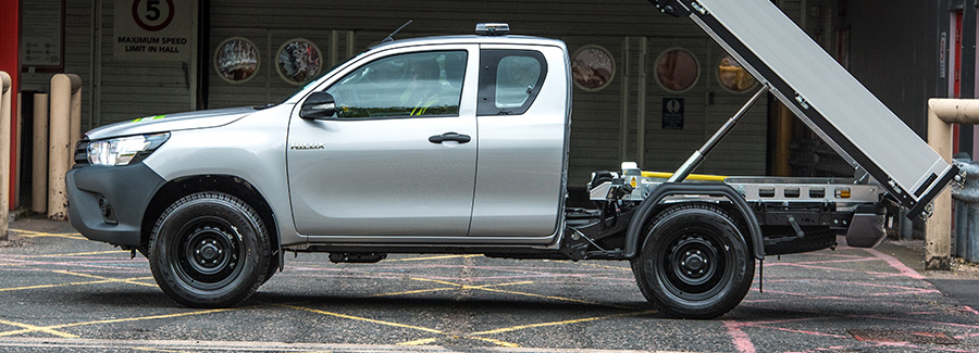 Hilux-Commercial-banner-900-x-325